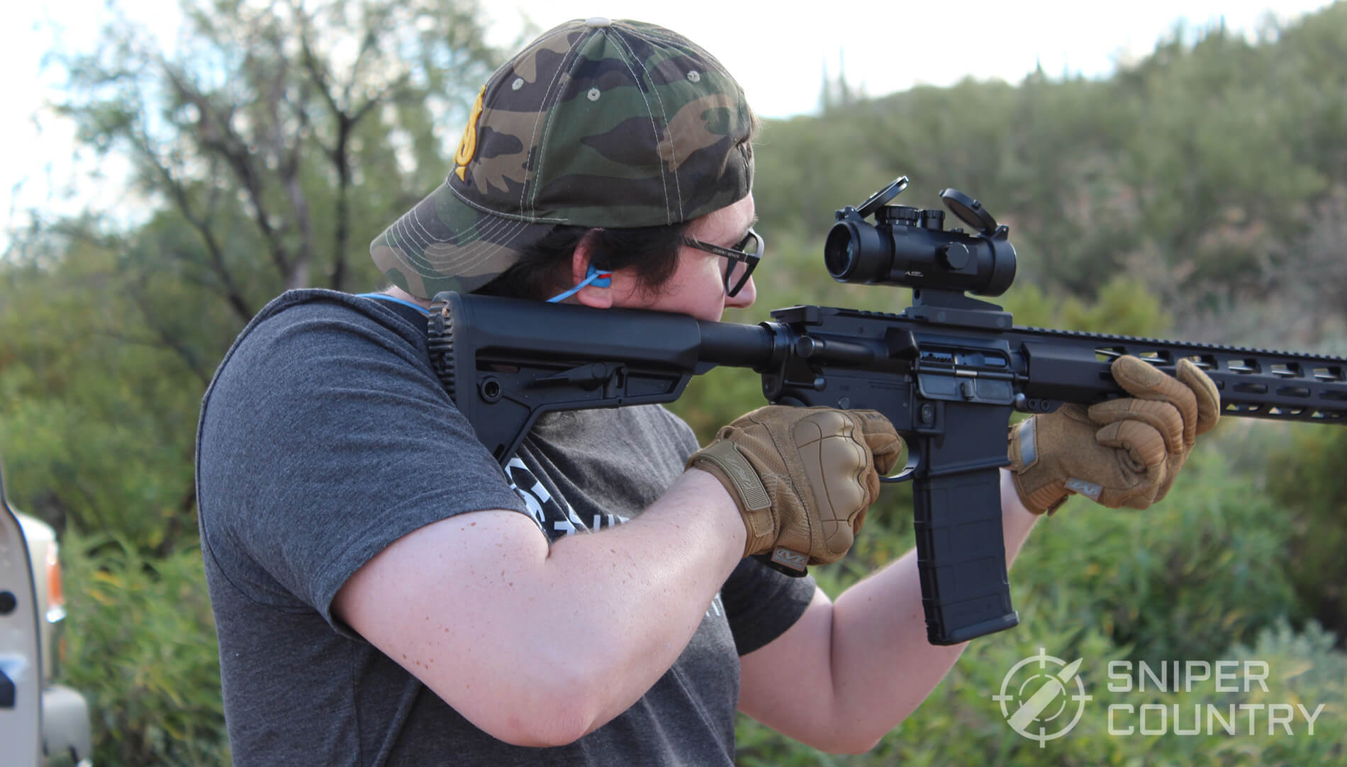 Mechanix M-Pact AR-15 Shooting