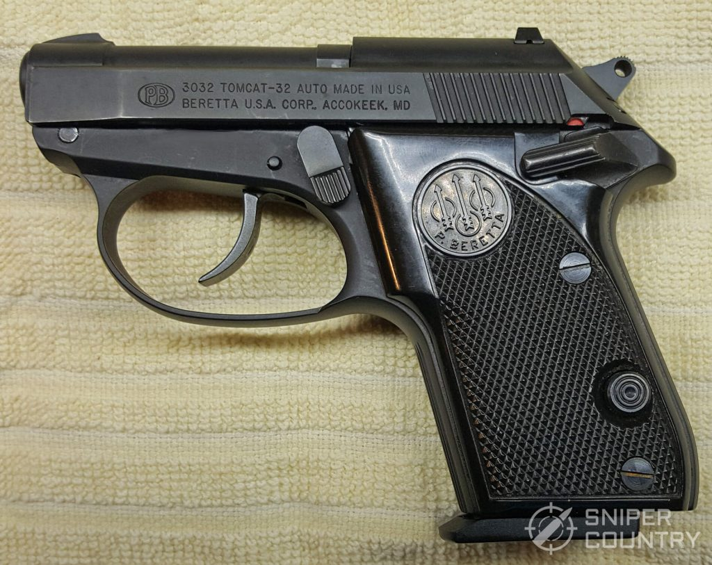Beretta 3032 Tomcat left side