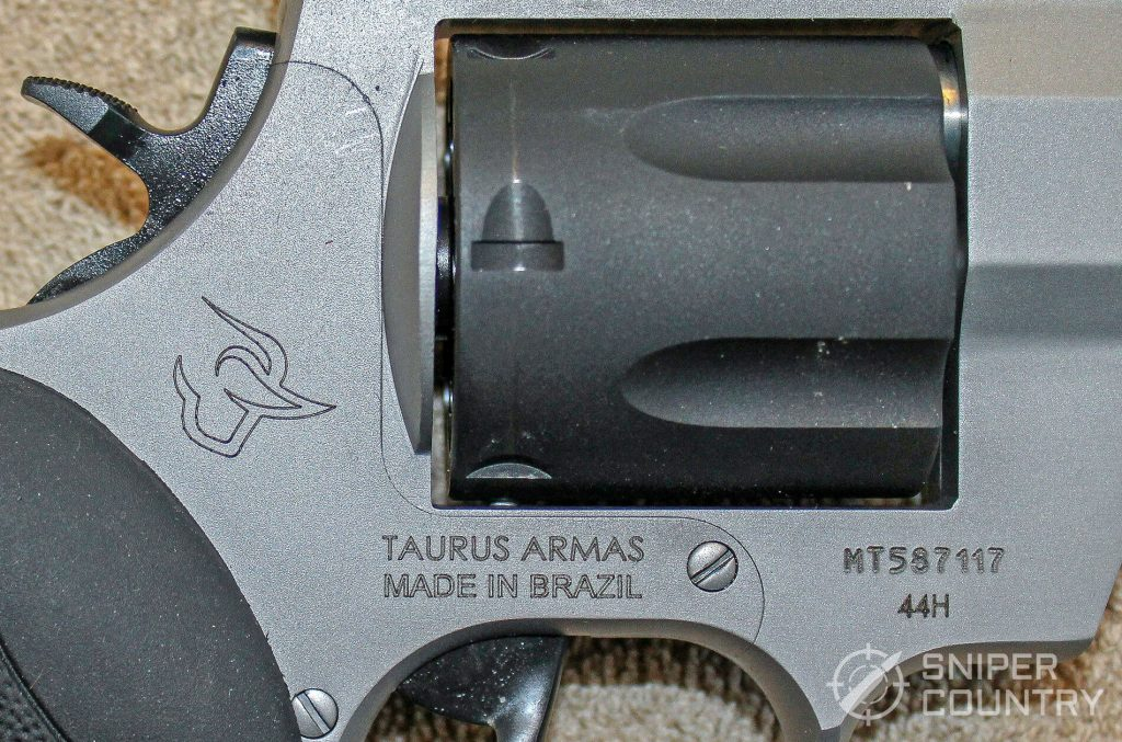 Taurus Raging Hunter frame right engraving