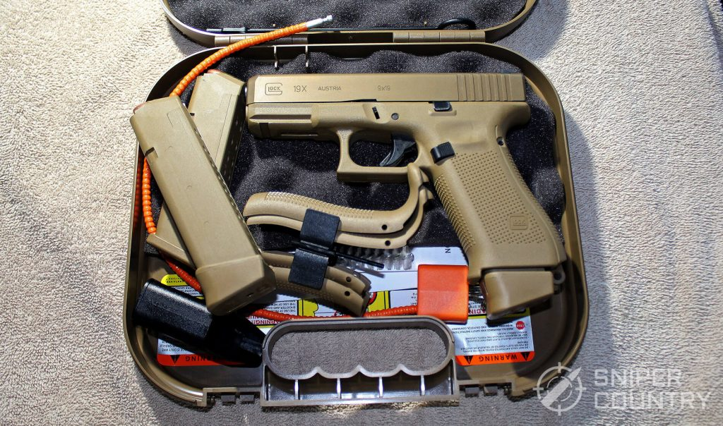 Glock G19X in case
