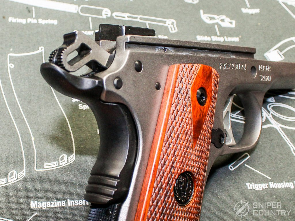 beavertail of the Ruger SR1911 Commander