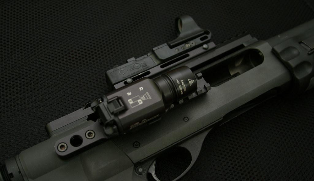 best shotgun tactical light